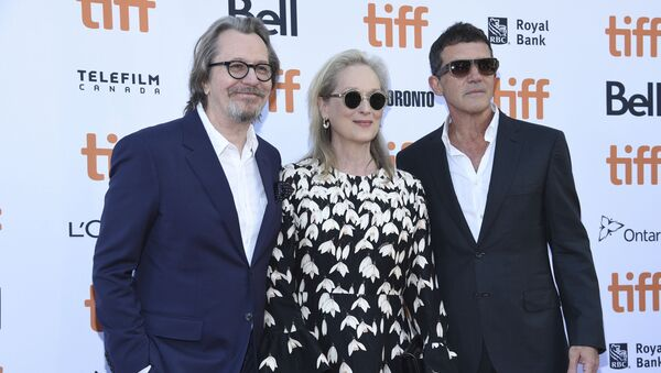 Gary Oldman, from left, Meryl Streep and Antonio Banderas attend a premiere for The Laundromat on day five of the Toronto International Film Festival at Princess of Wales Theatre on Monday, Sept. 9, 2019, in Toronto. (Photo by Chris Pizzello/Invision/AP) - Sputnik International