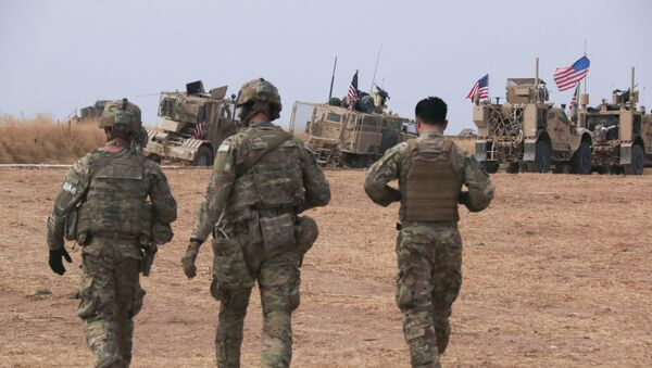 American military convoy stops near the town of Tel Tamr, north Syria, Sunday, Oct. 20, 2019 - Sputnik International