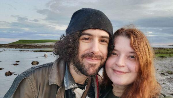 Emma DeSouza and her American husband Jake - Sputnik International