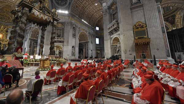 General view of Saint Peter's Basilica during a consistory ceremony to elevate 13 Roman Catholic prelates to the rank of cardinal, at Saint Peter's Basilica at the Vatican, October 5, 2019. - Sputnik International