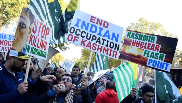 Demonstrators march during a 'Free Kashmir' protest in central London, Britain, October 27, 2019 - Sputnik International