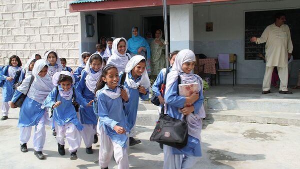 Schoolgirls in playground, Abbottabad, Pakistan - Sputnik International