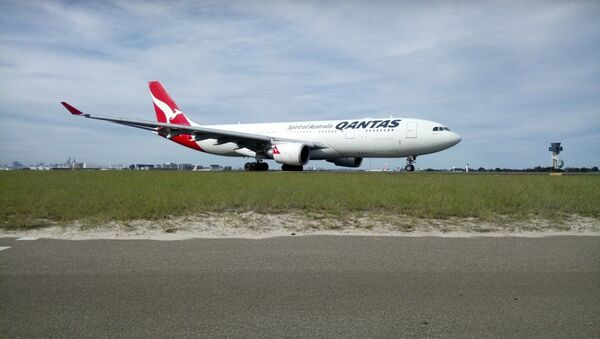 Qantas Boeing 737 - Sputnik International