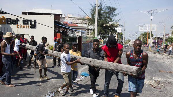 Demonstrators in Port-au-Prince - Sputnik International