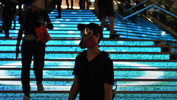Protesters attend a flash mob rally inside a shopping mall in the Sha Tin district in Hong Kong on October 13, 2019. - Sputnik International