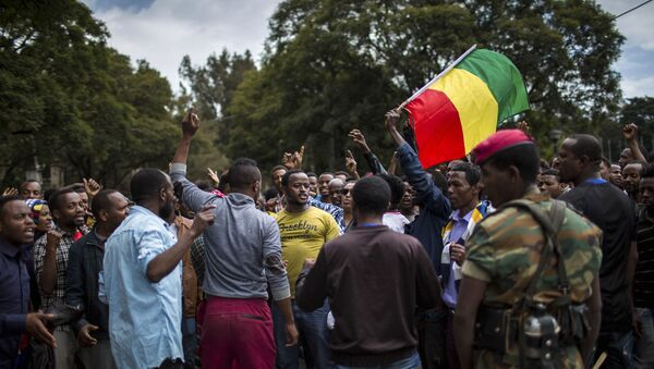 Thousands of protestors from the capital and those displaced by ethnic-based violence over the weekend in Burayu, demonstrate to demand justice from the government in Addis Ababa, Ethiopia Monday, Sept. 17, 2018. - Sputnik International
