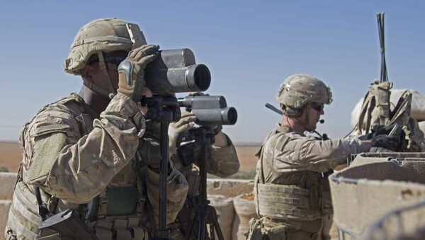 U.S. Army, soldiers surveil the area during a combined joint patrol in Manbij, Syria (File) - Sputnik International