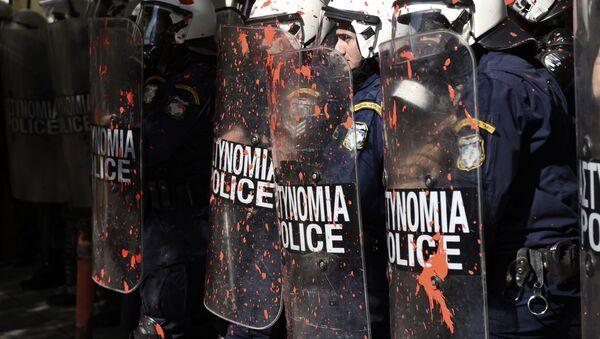 Greek riot police in the northern Greek port city of Thessaloniki - Sputnik International
