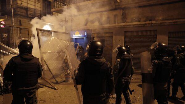 Police near the senate in Bolivia - Sputnik International