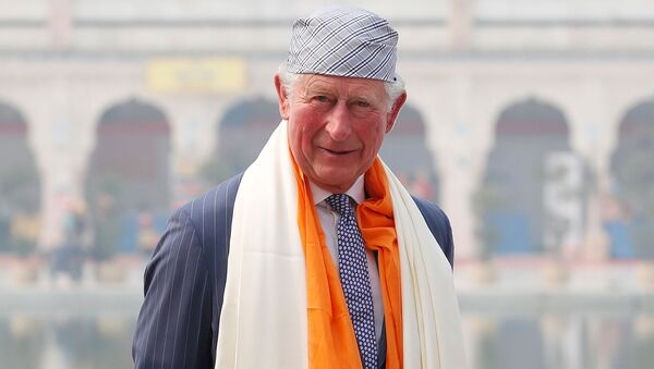 Britain's Prince Charles poses for a picture during his visit to a Gurudwara (Sikh temple) in New Delhi, India, November 13, 2019 - Sputnik International