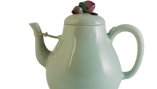 Rare Chinese Teapot Sells at Auction for $1.3 Million - Sputnik International