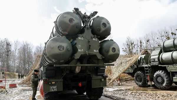 Russian S-400 Triumph missile system launchers  - Sputnik International
