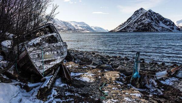 Old Boat Shoreline Fjord - Sputnik International