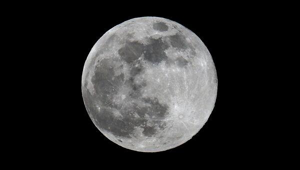 Super moon observed in Moscow. - Sputnik International