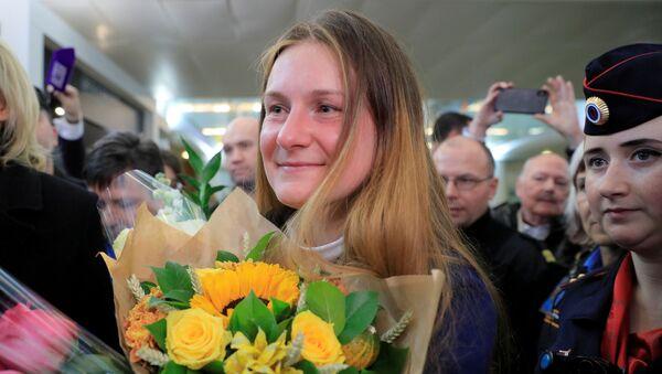 Maria Butina at Sheremetyevo International Airport outside Moscow - Sputnik International