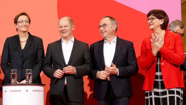Klara Geywitz and Olaf Scholtz With Saskia Esken and Norbert Walter-Borjans - Sputnik International