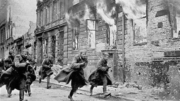 Soviet soldiers are seen during the Battle of Berlin. File photo - Sputnik International