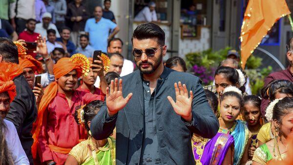 Bollywood actor Arjun Kapoor gestures as he attends the song launch of his upcoming Hindi film 'Panipat' directed by Ashutosh Gowariker in Mumbai on November 23, 2019.  - Sputnik International