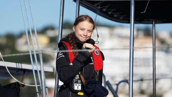 Climate change activist Greta Thunberg arrives aboard the yacht La Vagabonde at Santo Amaro port in Lisbon, Portugal December 3, 2019 - Sputnik International