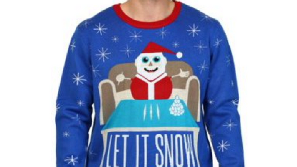 Walmart Removes Christmas Sweater Featuring Santa With Cocaine - Sputnik International