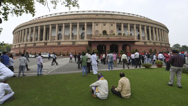Visitors are seen at the Parliament House in New Delhi  - Sputnik International