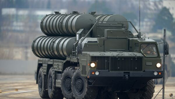 An S-400 air defense system during the joint Victory Parade drills of the combined parade unit, mechanized column and lineup of aircraft - Sputnik International