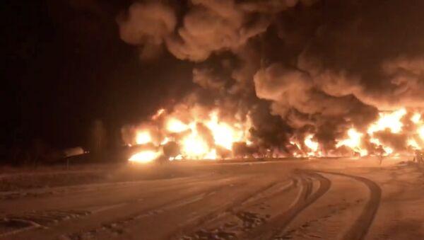 A derailed Canadian Pacific Railway train near Guernsey, Saskatchewan - Sputnik International