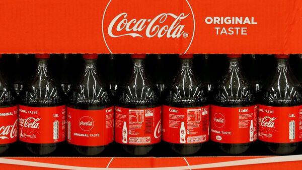 Coca-Cola bottles at a Carrefour Hypermarket store in Montreuil, near Paris, France, February 5, 2018.  - Sputnik International