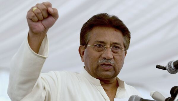 FILE - In this Monday, April 15, 2013 file photo, Pakistan's former President and military ruler Pervez Musharraf addresses his party supporters at his house in Islamabad, Pakistan - Sputnik International