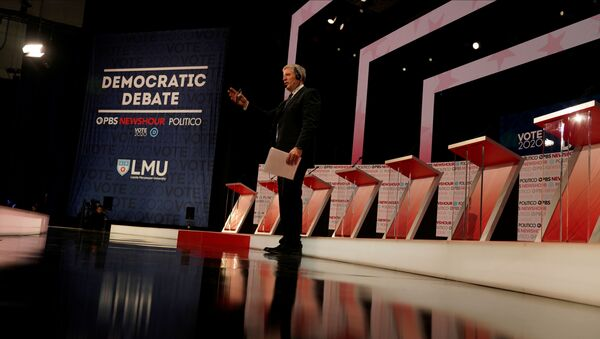 The stage is seen before the start of the 6th Democratic Presidential Debate at Loyola Marymount University in Los Angeles, California, 19 December 2019. - Sputnik International