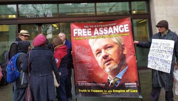 A rally in support of Assange in London - Sputnik International