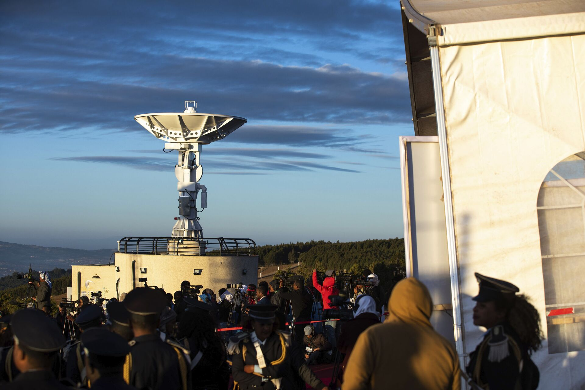 People attend the launch of Ethiopia's first micro-satellite (ETRSS-1) at the Entoto Observatory on the outskirts of the capital Addis Ababa, Friday Dec. 20, 2019 - Sputnik International, 1920, 23.09.2021