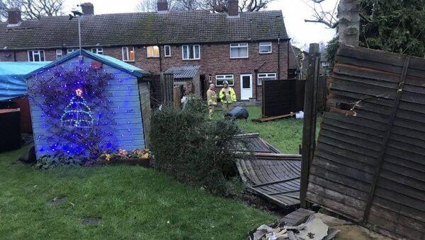 Devastating Rare Tornado Crushes Houses, Properties in Surrey South East UK 21.12.2019 - Sputnik International