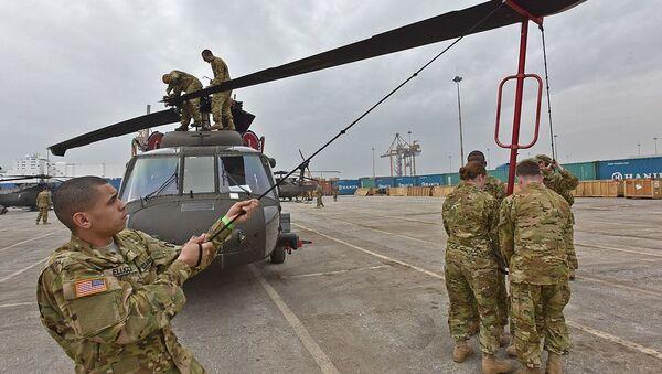 Unfolding the blades - UH-60 Black Hawks arrive in Greece - Sputnik International