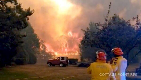 Firefighters in Bilpin, New South Wales, Australia - Sputnik International