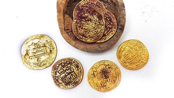 1,200-year-old gold coins - Sputnik International