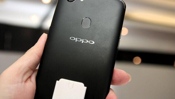 OPPO F5 - Sputnik International