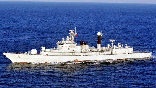 The Type 052 guided-missile destroyer Harbin (Hull 112) attached to a destroyer flotilla with the North China Sea Fleet under the PLA Navy steams in waters off the Yellow Sea during a maritime training exercise in mid-January, 2018 - Sputnik International