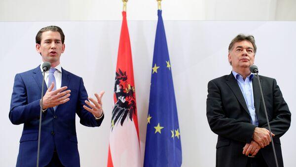 Head of Austria's Green Party Werner Kogler (right) and Head of People's Party (OVP) Sebastian Kurz (left) - Sputnik International
