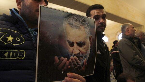 Picture of Slain Iranian Revolutionary Guards Major General Qasem Soleimani - Sputnik International