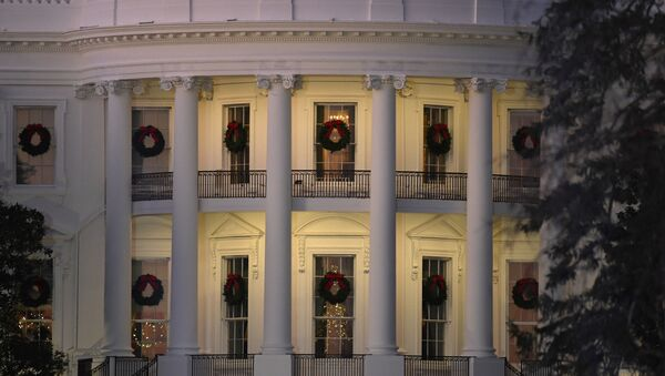A view of the south side of the White House in Washington, Thursday, Dec. 5, 2019, decorated for Christmas. (AP Photo/Susan Walsh) - Sputnik International