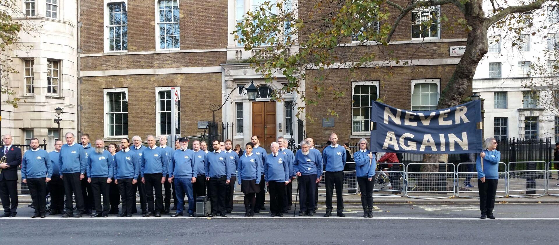 Veterans for Peace UK stand across from Cenotaph 10 Nov 2019-min - Sputnik International, 1920, 06.01.2020