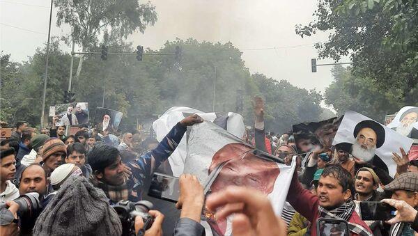 Protests Against Killing of Soleimani Held Outside US Embassy in New Delhi - Sputnik International