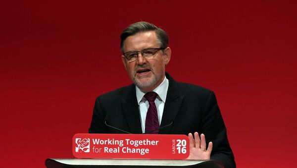 Shadow Secretary of State for International Trade Barry Gardiner speaks on the second day of the Labour Party Conference in Liverpool, north west England on September 26, 2016 - Sputnik International