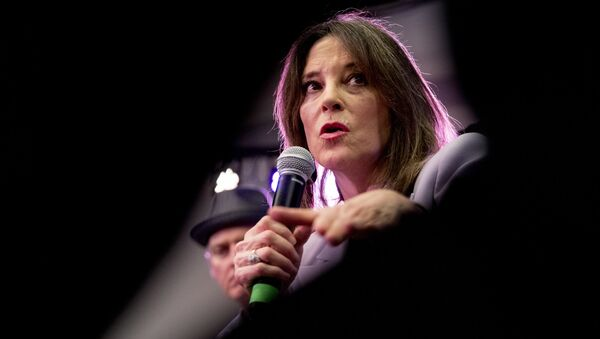 Democratic presidential candidate Marianne Williamson speaks at a the Faith, Politics and the Common Good Forum at Franklin Jr. High School, Thursday, Jan. 9, 2020, in Des Moines, Iowa - Sputnik International