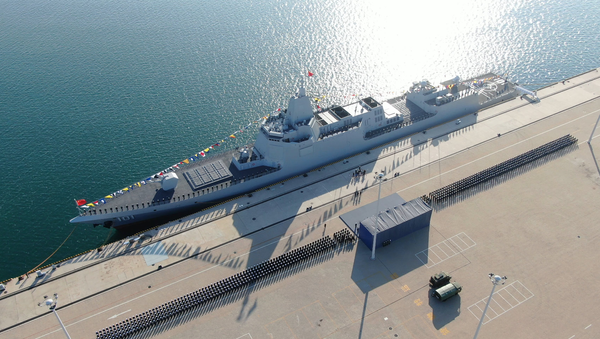 The People's Liberation Army Navy commissioned its first Type 055 warship, Nanchang, on Sunday in Qingdao - Sputnik International
