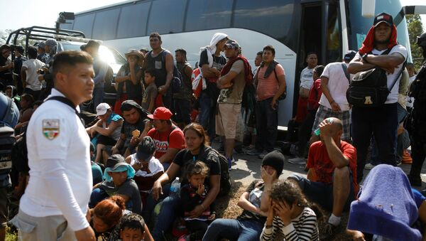 Migrant caravan on its way to the US - Sputnik International