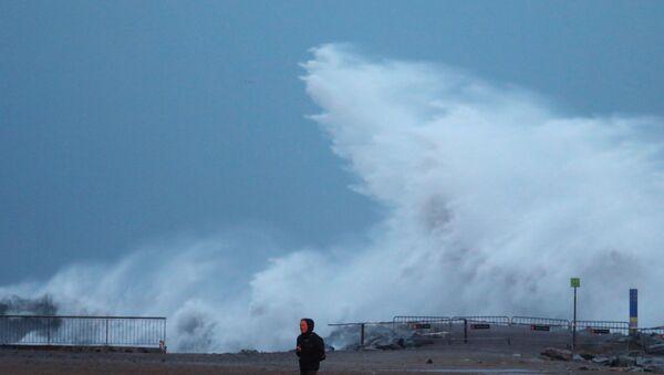 Storm Gloria on Barceloneta beach - Sputnik International