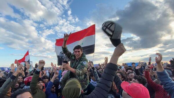Iraqi demonstrators in Nassiriya, Iraq - Sputnik International