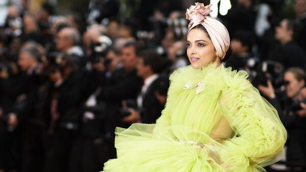 Actress Deepika Padukone poses for photographers upon arrival at the premiere for the film 'Pain and Glory' at the 72nd international film festival, Cannes, southern France, Friday, May 17, 2019. - Sputnik International